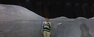 月は静かです